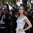 "Lily Collins - Montée des marches du film ""Okja"" lors du 70ème Festival International du Film de Cannes. Le 19 mai 2017. © Borde-Jacovides-Moreau / Bestimage"