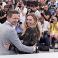 "Jeremy Renner et Elizabeth Olsen - Photocall du fim ""Wind River"" lors du 70ème Festival International du Film de Cannes, France, le 20 mai 2017. © Borde-Jacovides-Moreau/Bestimage"