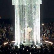 Céline Dion, très décolletée, majestueuse et acclamée aux Billboard Music Awards