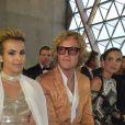 """Aisha Al Than et Peter Dundas - Défilé de mode de la fondation """"Fashion for Relief"""" à l'aéroport de Cannes-Mandelieu, en marge du 70e Festival International du Film de Cannes. Cannes, le 21 mai 2017.© Giancarlo Gorassini/Bestimage"""
