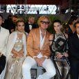 """Evangelo Bousis, Sheikha Aisha Al Thani, Peter Dundas, Sara Sampaio et Mohammed Al Turki- Défilé de mode de la fondation """"Fashion for Relief"""" à l'aéroport de Cannes-Mandelieu, en marge du 70e Festival International du Film de Cannes. Cannes, le 21 mai 2017."""