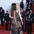 Naomi Campbell (en Atelier Versace) et Nicole Kidman (en Armani Privé) -Montée des marches de la soirée du 70ème anniversaire du Festival de Cannes. Le 23 mai 2017. © Borde-Jacovides-Moreau / Bestimage
