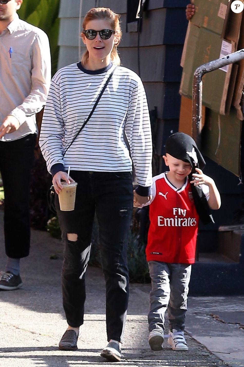 Kate Mara se promène avec le fils de son compagnon Jamie ...
