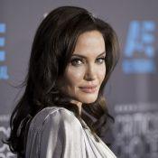 """Angelina Jolie évoque sa mère décédée : """"J'ai besoin d'elle en ce moment"""""""