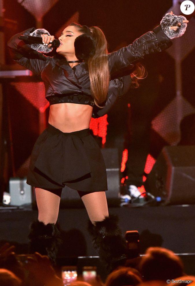 Ariana Grande La Soir E Z100 39 S Jingle Ball 2016 Au Madison Square Garden New York Le 9