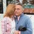 Gérard Holtz et sa femme Muriel Mayette en toute tendresse au Village de Roland-Garros à Paris, le 3 juin 2017.