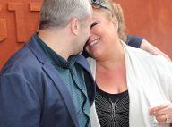 Marianne James in love : Baisers langoureux avec son chéri à Roland-Garros