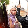 Exclusif - Katy Perry arrive en suède en jet privé et se rend dans les locaux de Universal Music à Stockholm le 1er juin 2017.