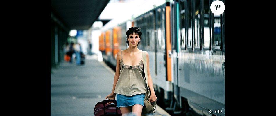 """Julie Fournier dans la comédie """"Nos jours heureux""""."""