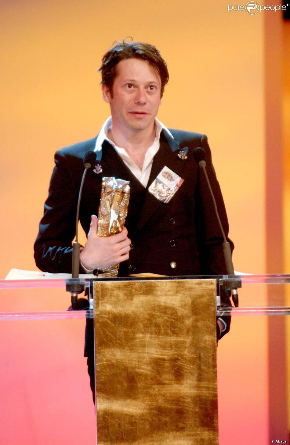 """Mathieu Amalric (César du meilleur acteur pour """"Rois et Reine"""" en 2005) gagne à nouveau en 2008 pour """"Le scaphandre et le papillon"""" et lit un discours sur la défense du cinéma indépendant. Son texte sera écourté : censure ?"""