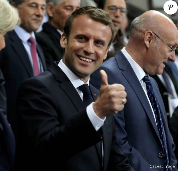 La première dame Brigitte Macron (Trogneux), son mari le président de la République Emmanuel Macron et le président de la Fédération française de Rugby à XV (FFR) Bernard Laporte - Finale du Top 14, ASM Clermont contre le RC Toulon au Stade de France, le 4 juin 2017.