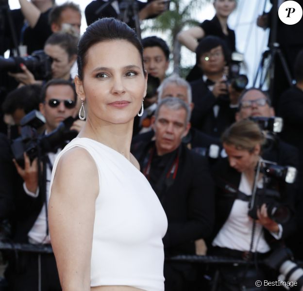 Virginie Ledoyen (robe Stella McCartney) - Montée des marches du film de la Soirée 70ème Anniversaire lors du 70ème Festival International du Film de Cannes. Le 23 mai 2017. © Borde-Jacovides-Moreau/Bestimage