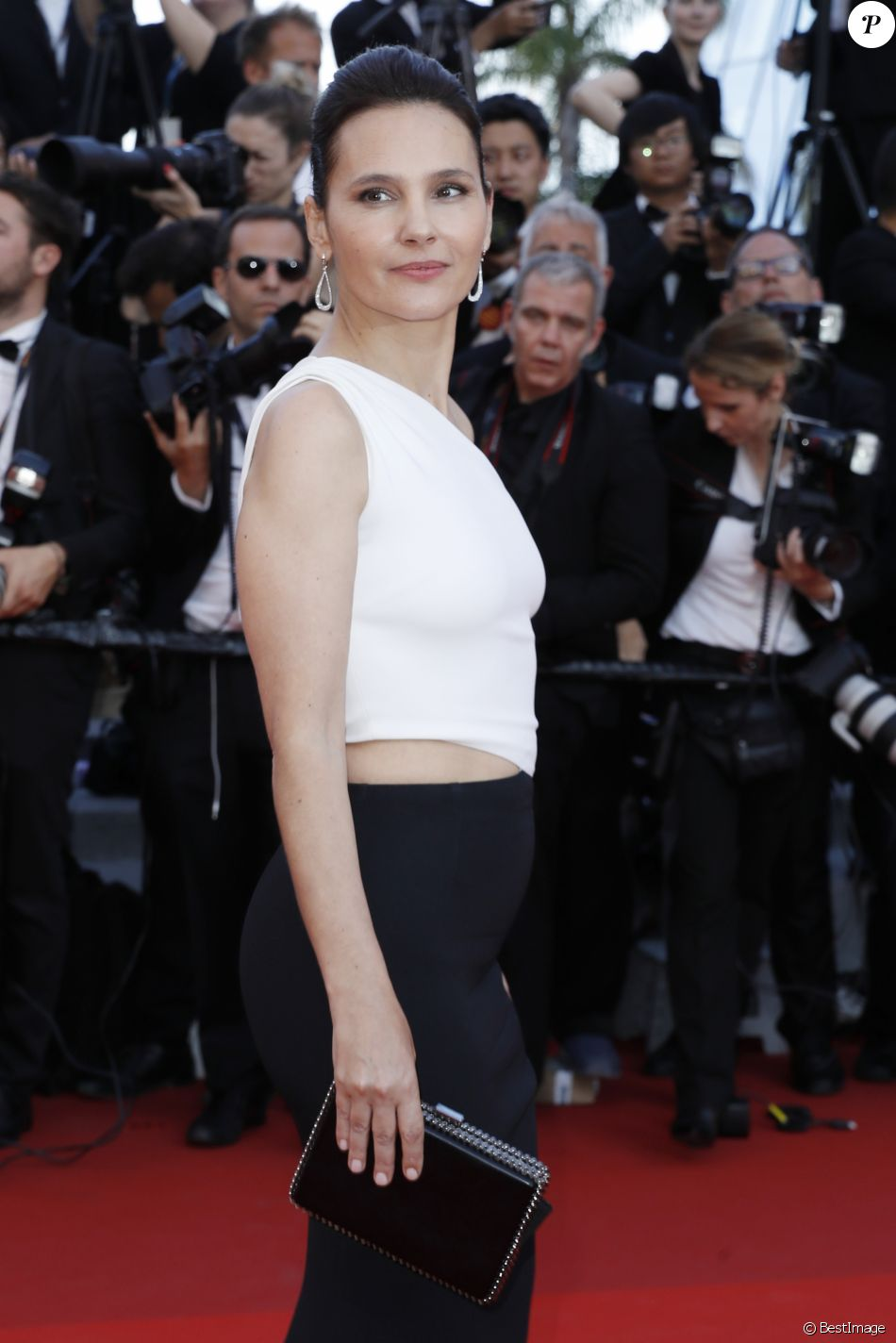 Virginie Ledoyen (robe Stella McCartney) - Montée des marches du film de la Soirée 70ème Anniversaire lors du 70ème Festival International du Film de Cannes. Le 23 mai 2017. © Borde-Jacovides-Moreau/Bestimage