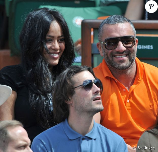 Amel Bent et son ami Patrick Antonelli, Sofia Essaïdi - People aux Internationaux de France de tennis de Roland Garros à Paris, le 5 juin 2014.