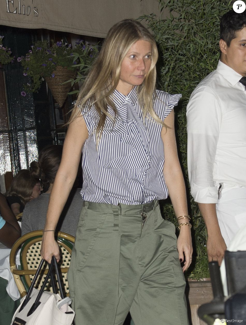 Exclusif - Gwyneth Paltrow sort d'un restaurant à New York le 13 juin 2017.
