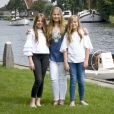 la princesse Alexia, La princesse Amalia, la princesse Ariane - Rendez-vous avec la famille royale des Pays-Bas à Warmond le 7 juillet 2017.  The royal family makes a cruise on the Kagerplassen and pose on the quay during the annual summer photography session.07/07/2017 - Warmond