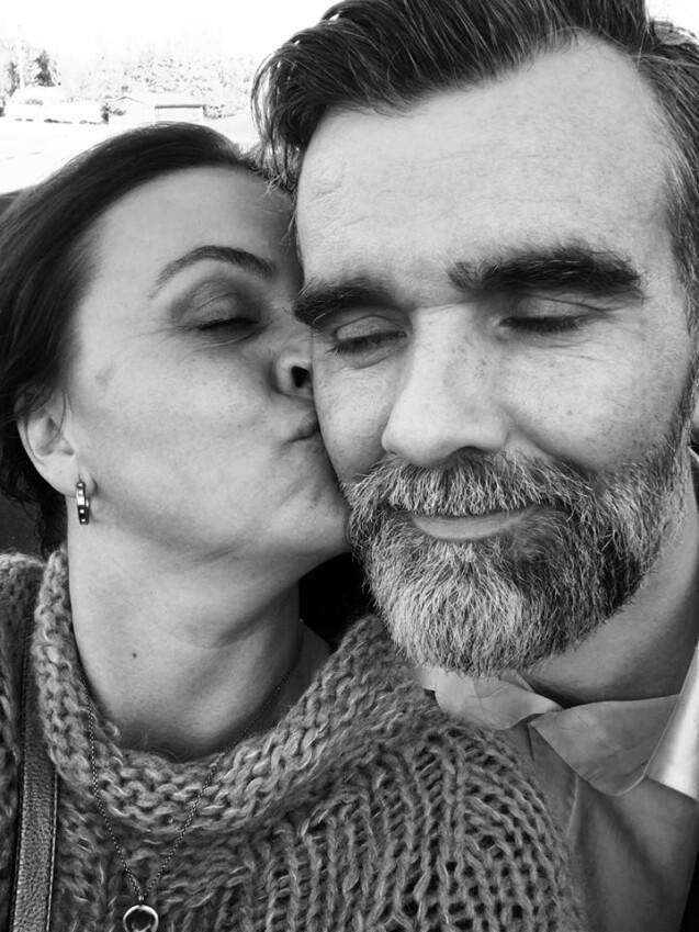 Stefán Karl Stefánsson et sa femme Steinunn lors de son 42e anniversaire le 10 juillet 2017. L'acteur islandais est atteint d'un cancer en phase terminale. © Facebook Steinunn Olina Thorsteinsdottir