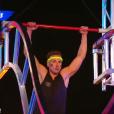 """Julien Geloën (Secret Story 10) a échoué dès le premier obstacle dans """"Ninja Warrior"""" sur TF1 le 14 juillet 2017."""