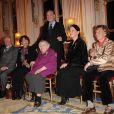 Anne Golon recevant la légion d'honneur par Frédéric Mitterrand en 2010