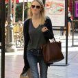 Exclusif - Ashley Hinshaw fait du shopping à The Grove à Los Angeles, le 4 novembre 2016