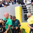 Christopher Froome avec sa femme Michelle et leur fils Kellan - Arrivée de la 104ème édition du Tour de France sur les Champs-Elysées à Paris le 23 juillet 2017. © Giancarlo Gorassini/Bestimage