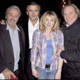 Alain Delon, BHL, Gérard Depardieu et sa fille Julie à la première de  Bernard-Henri Lévy, la déraison d'une histoire . 04/02/09