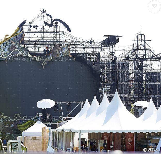 Une vue de la scène du Unite Tomorrowland qui a brûlé près de Barcelone, le 29 juillet 2017.