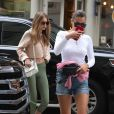 """Gigi et Bella Hadid à New York, le 27 juillet 2017."""