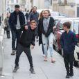 Semi-exclusif - L'acteur Patrick Dempsey, sa femme Jillian Fink, ses enfants Tallula, Darby et Sullivan se promènent dans les rues de Paris après voir visité les catacombes le 22 février 2017.