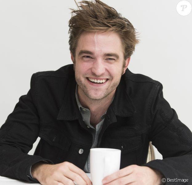 """Robert Pattinson en conférence de presse pour le film """"Good Time"""" à Beverly Hills. Le 3 août 2017"""