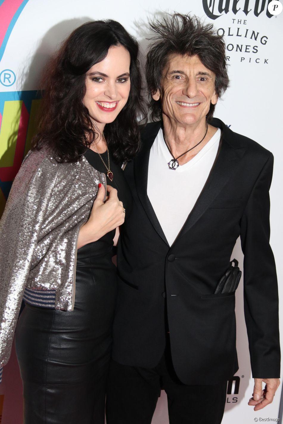 Ronnie Wood avec sa femme Sally Humphreys à l'exposition des Rolling Stones à New York, le 15 novembre 2016