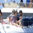 Felipe et Victoria, enfants de l'infante Elena, le 4 août 2017 à bord d'un yacht au large de Palma de Majorque durant la Copa del Rey.