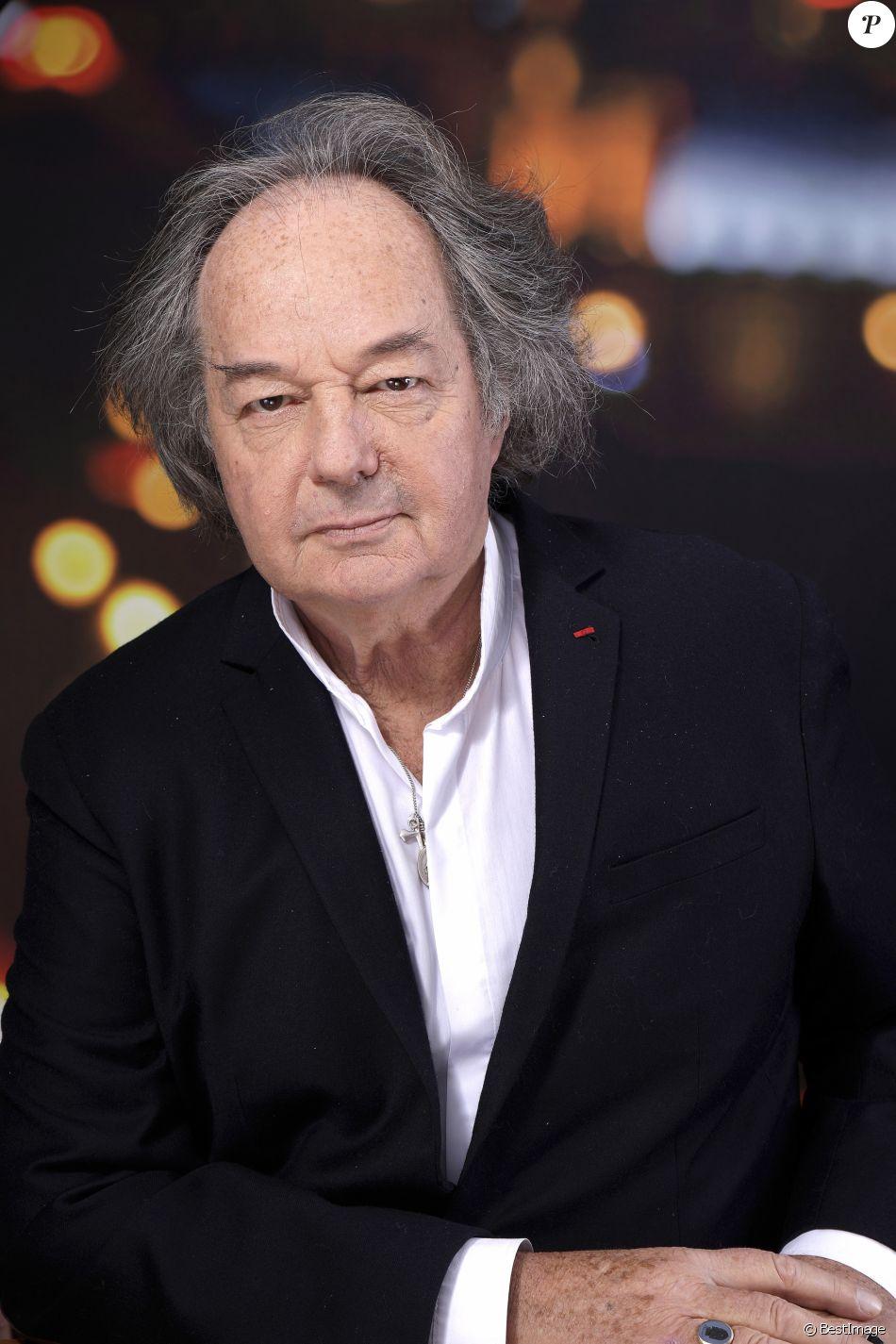 Gonzague Saint Bris, portrait réalisé en février 2017 à Paris. L'auteur et journaliste est mort à 69 ans dans un accident de la route en Normandie le 8 août 2017.