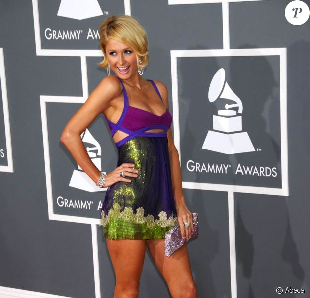 Paris Hilton, encore une tenue improbable...