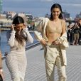 "Kim Kardashian et Kendall Jenner - Défilé ""YEEZY Season 4"" de Kanye West à New York le 7 septembre 2016."