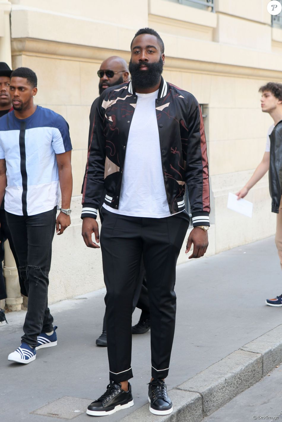 james harden d fil de mode valentino homme printemps. Black Bedroom Furniture Sets. Home Design Ideas
