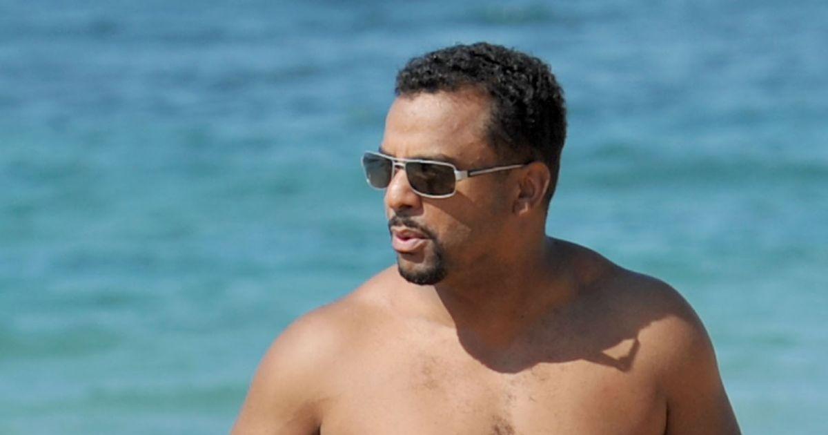 exclusif alfonso ribeiro passe ses vacances sur la plage de maui avec sa femme enceinte angela. Black Bedroom Furniture Sets. Home Design Ideas
