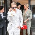 Yolanda Hadid et ses enfants Gigi et Anwar Hadid. New York, le 17 juillet 2017.