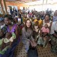 Carla Bruni au Burkina Faso, pour son premier voyage humanitaire...