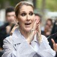 Celine Dion quitte l'hôtel Royal Monceau avec ses enfants et prend un jet privé au Bourget le 10 août 2017.