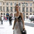 """Exclusif -Céline Dion quitte l'hôtel Royal Monceau et se rend dans les salons de la boutique """"Schiaparelli"""" sur la place Vendôme à Paris le 1er aout 2017."""