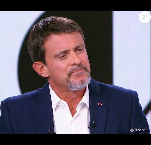 Manuel Valls affiche son bouc sur le plateau de 19 heures le dimanche, sur France 2, le 17 septembre 2017