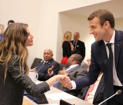 Emmanuel Macron : Sa poignée de main avec Gisele Bündchen fait sensation