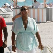 Queen Latifah, en mode détente, sous le soleil de Miami !