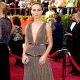 Natalie Portman ou la déesse par excellence, dans cette robe longue décolletée et cheveux tirés en arrière... juste magnifique !