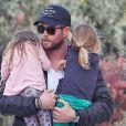 Exclusif - Prix Spécial - No Web - Elsa Pataky avec son mari Chris Hemsworth et leurs enfants Tristan, India Rose et Sasha font du shopping à Malibu le 4 février 2017