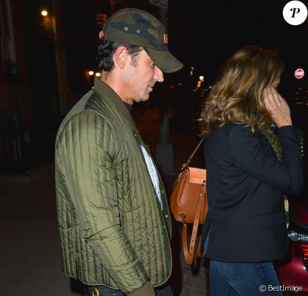 Exclusif - Jennifer Aniston et son mari Justin Theroux se promènent à New York le 1er octobre 2017.
