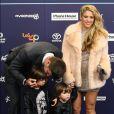 Shakira, Gérard Piqué et leurs enfants Milan et Sasha au photocall des 40èmes Music Awards à Barcelone, le 1er décembre 2016.