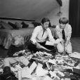 Archives -En France, Jean Rochefort chez lui avec sa femme Alexandra le 1er juillet 1965.