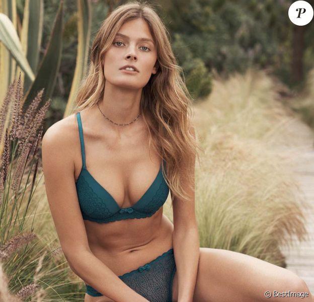 Constance Jablonski pose pour la nouvelle campagne publicitaire automne-hiver 2017 d'Etam. Octobre 2017.